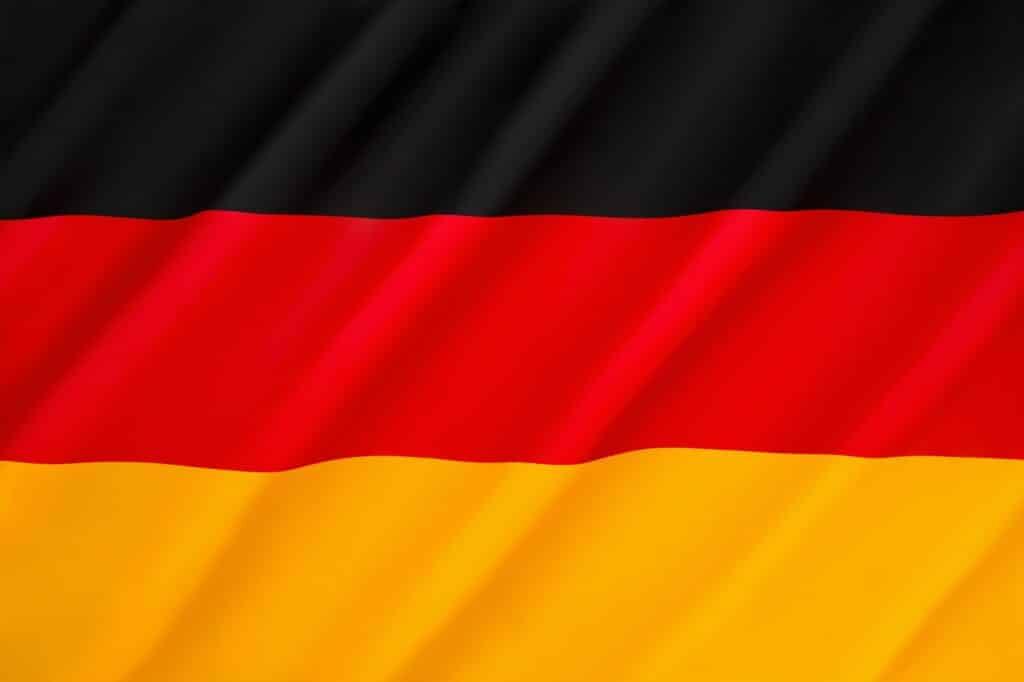 Brillengläser made in Viersen Florian Gisch, Geschäftsführer des Brillenglasherstellers Wetzlich Optik-Präzision, über Vor- und Nachteile der Produktionsstätte in Deutschland