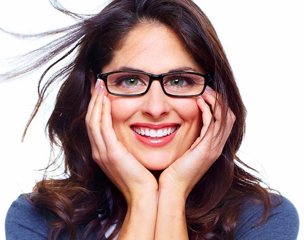 Asphärische Einstärken-Brillengläser